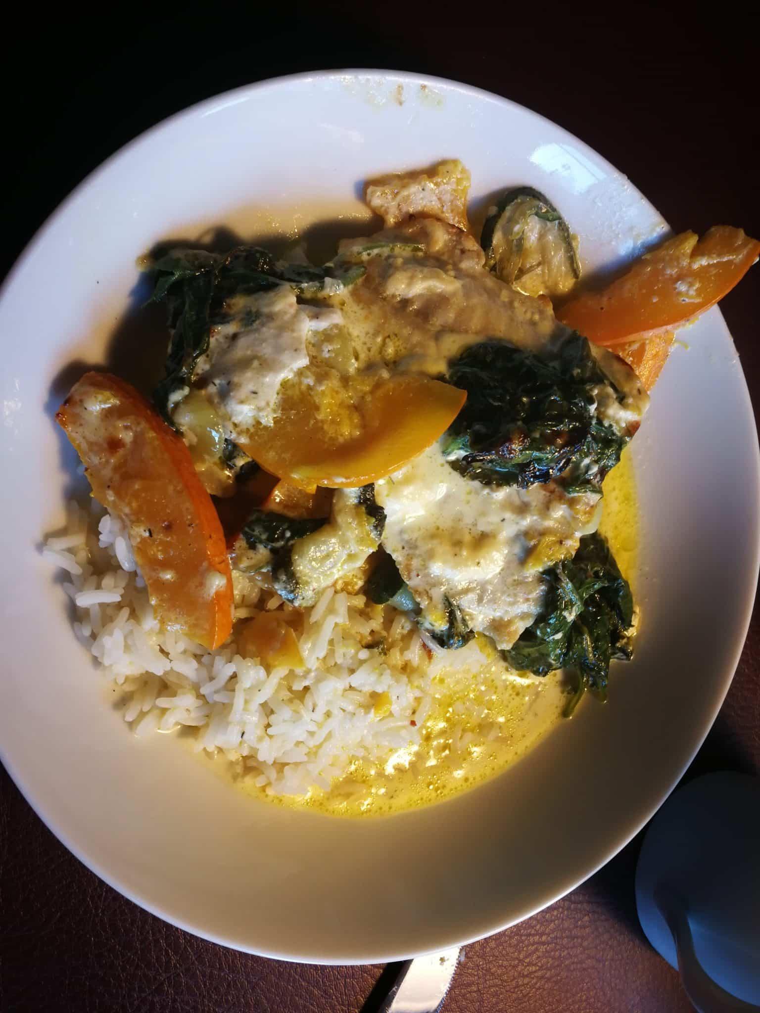 Lachs mit Kürbis, Spinat und Zucchini