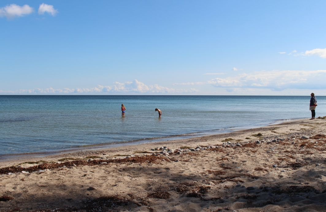 Insel Mön am Strand mit Kindern