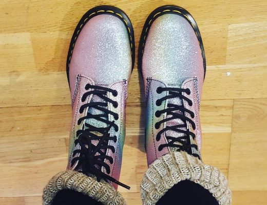 Regenbogen Schuhe Docs
