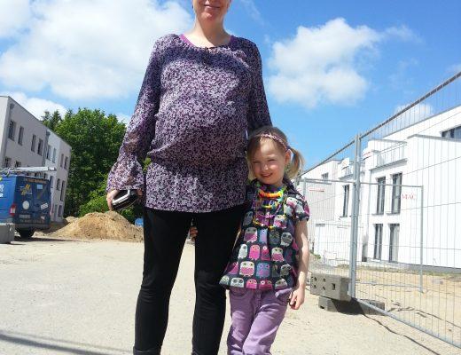 Hochschwanger-auf-der-Baustelle