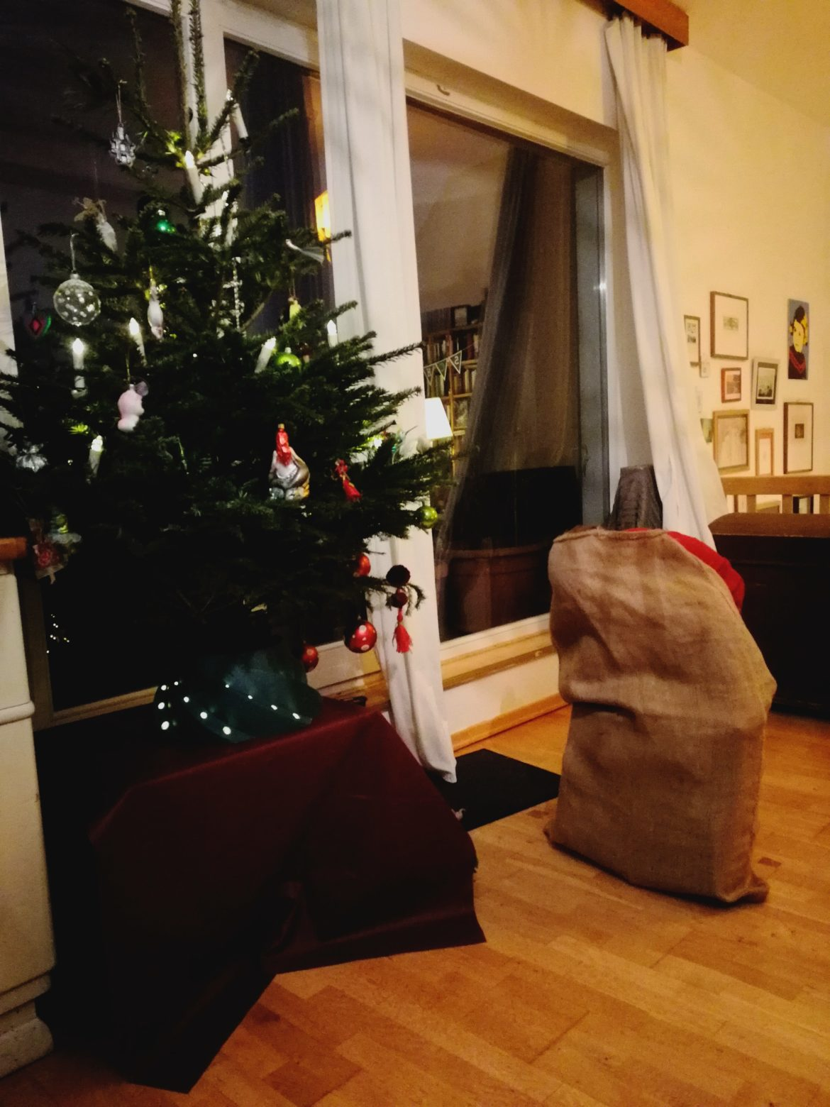 Baum und Geschenke