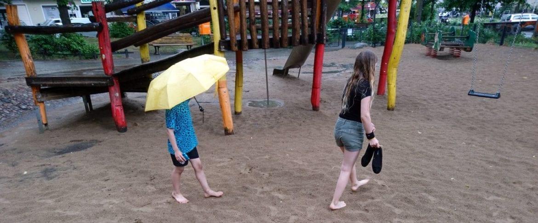 Mit dem Regen kamen die Pfützenspringer