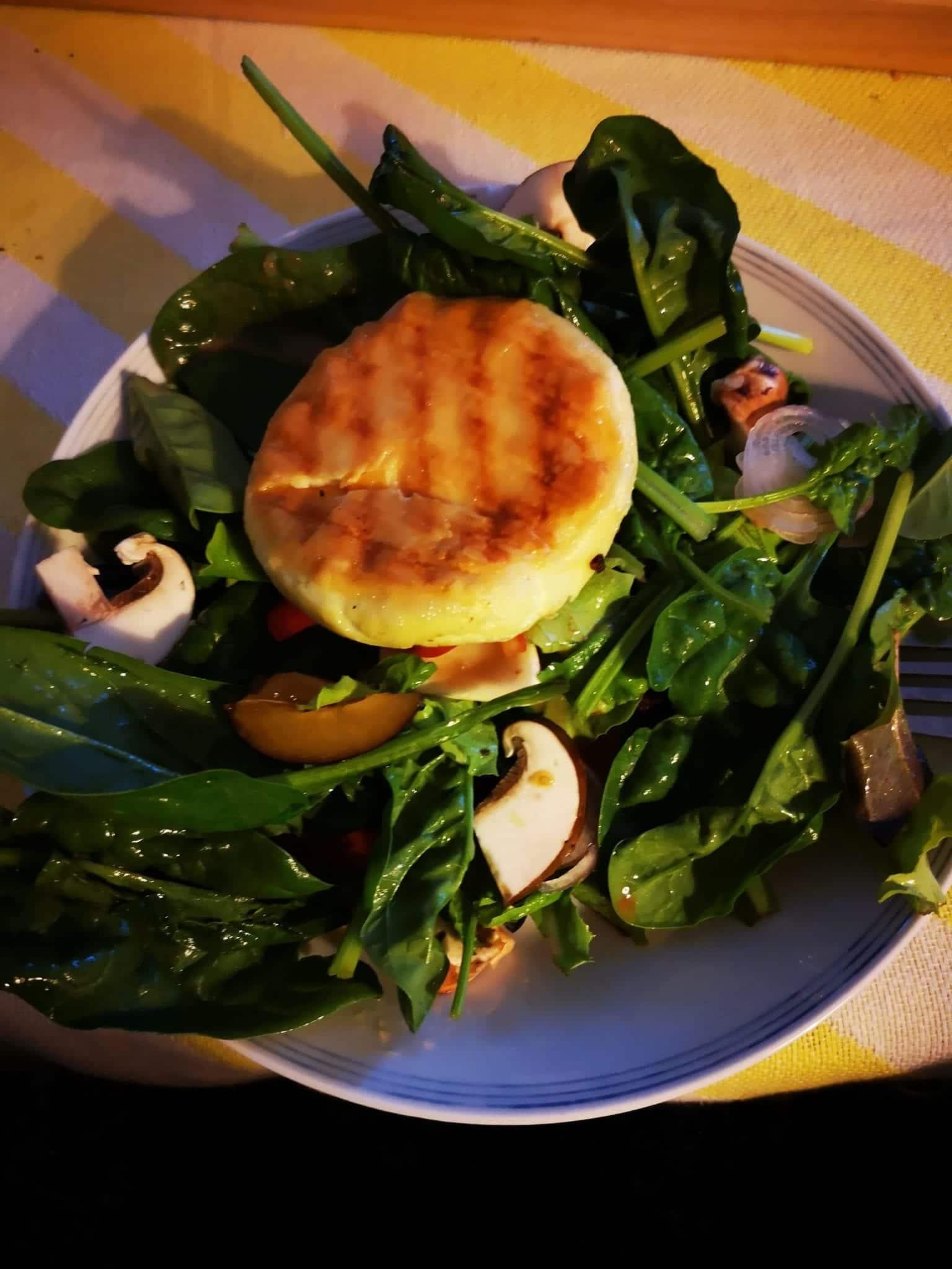 Salat_mit_Kaese_grossekoepfe.de