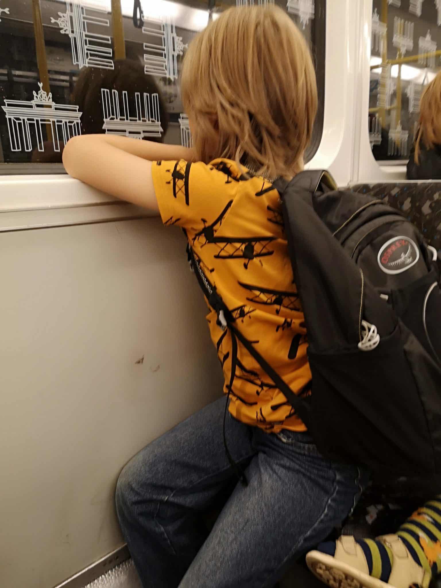 U-Bahn fahren mit Kindern in Berlin_grossekoepfe.de