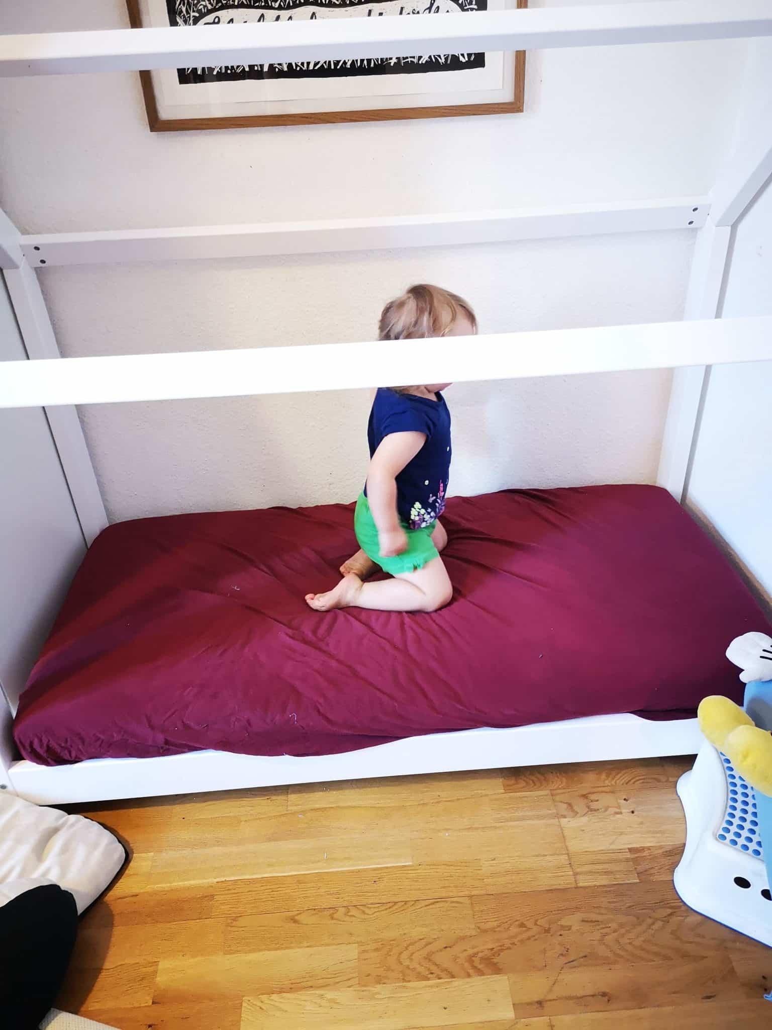 Ein Hausbett bauen fuer Kinder_grossekoepfe.de