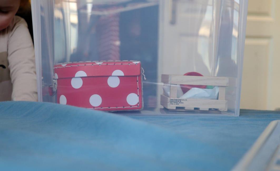 ORTHEX_grossekoepfe_recycelte Kisten