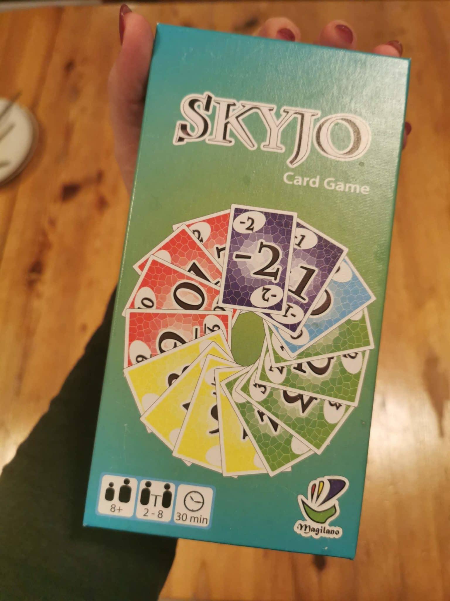 Wir spielen am Abend mit den Kindern, plus Gastkind erneut Skyjo