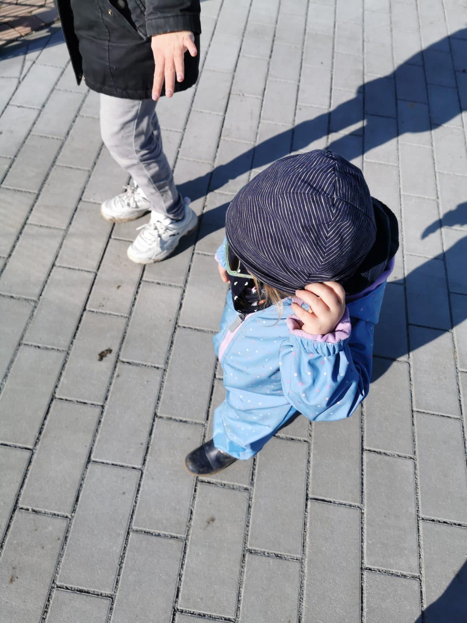 Erstmal ne Runde spazieren gehen mit Kindern.
