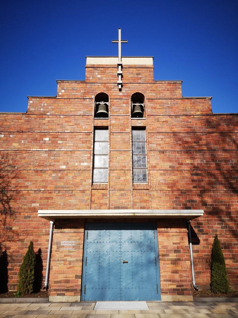 NunGeschlossene Kirche