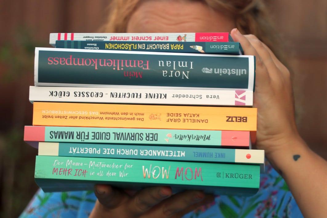 Grossekoepfe_Bücherstapel_Familienratgeber