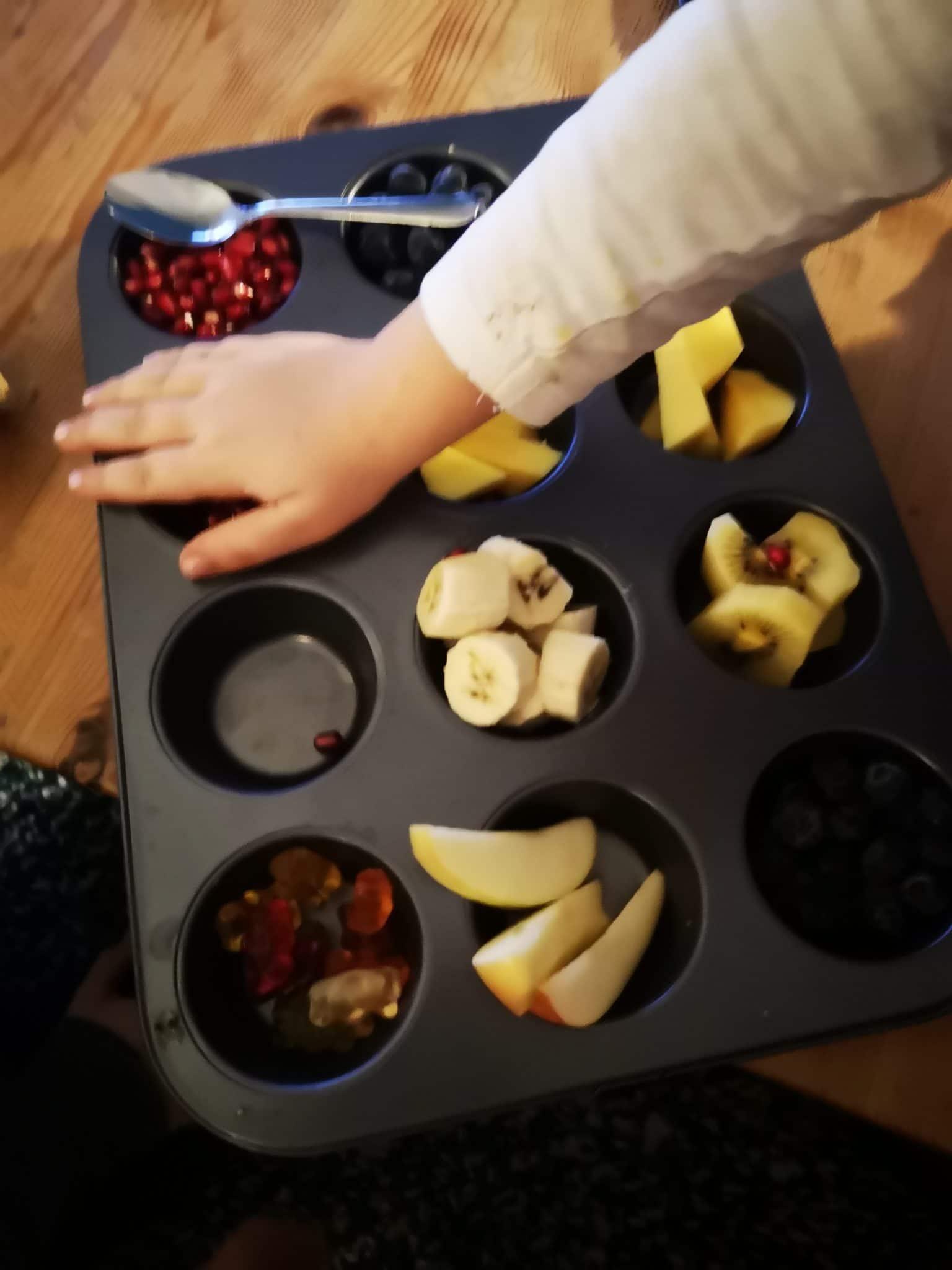 Zum Nachtisch (vorher gab es Herbstsuppe) noch ein Obstteller für alle.