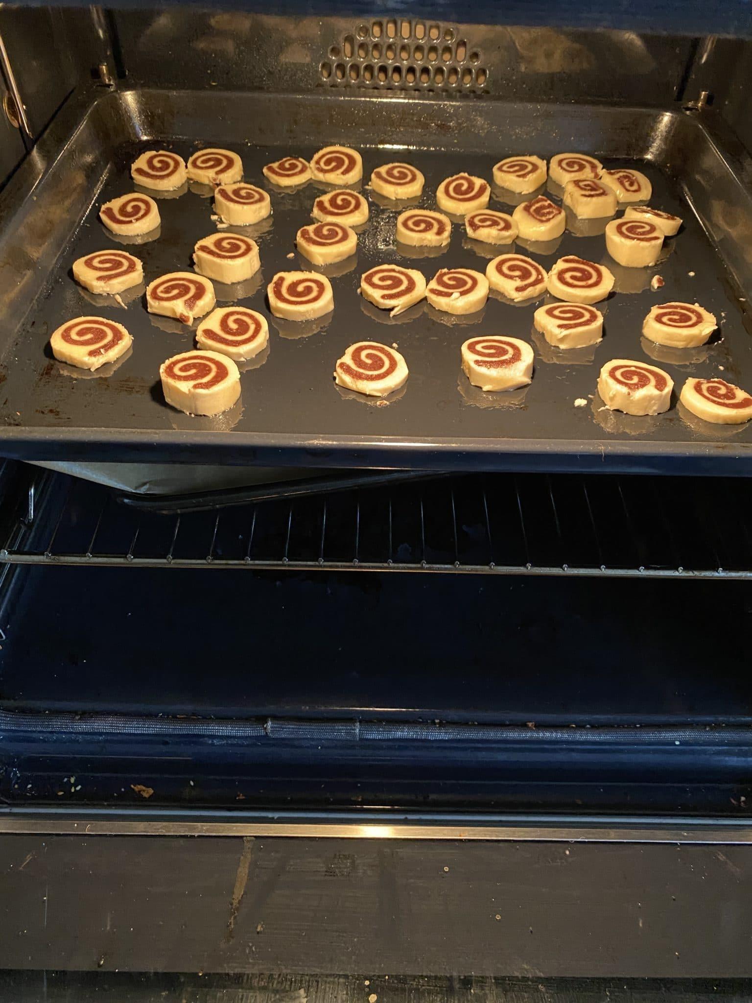 und mit den Kindern noch die letzten Kekse ausgebacken (ja Fertigpackung)
