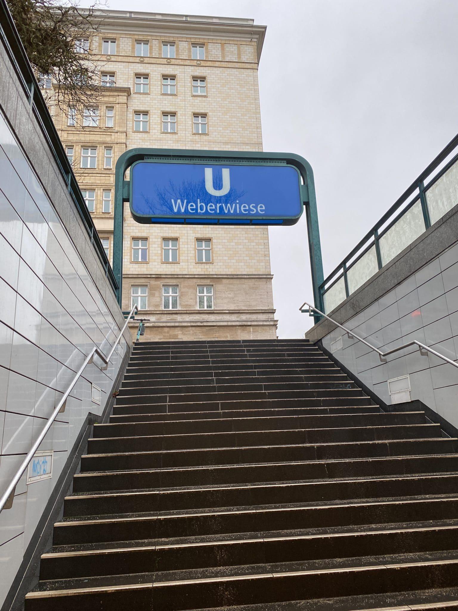 #2 Nach der Arbeit mal wieder die U-Bahn nehmen, die U55 fährt jetzt bis Hauptbahnhof. Es ist alles sehr aufregend.