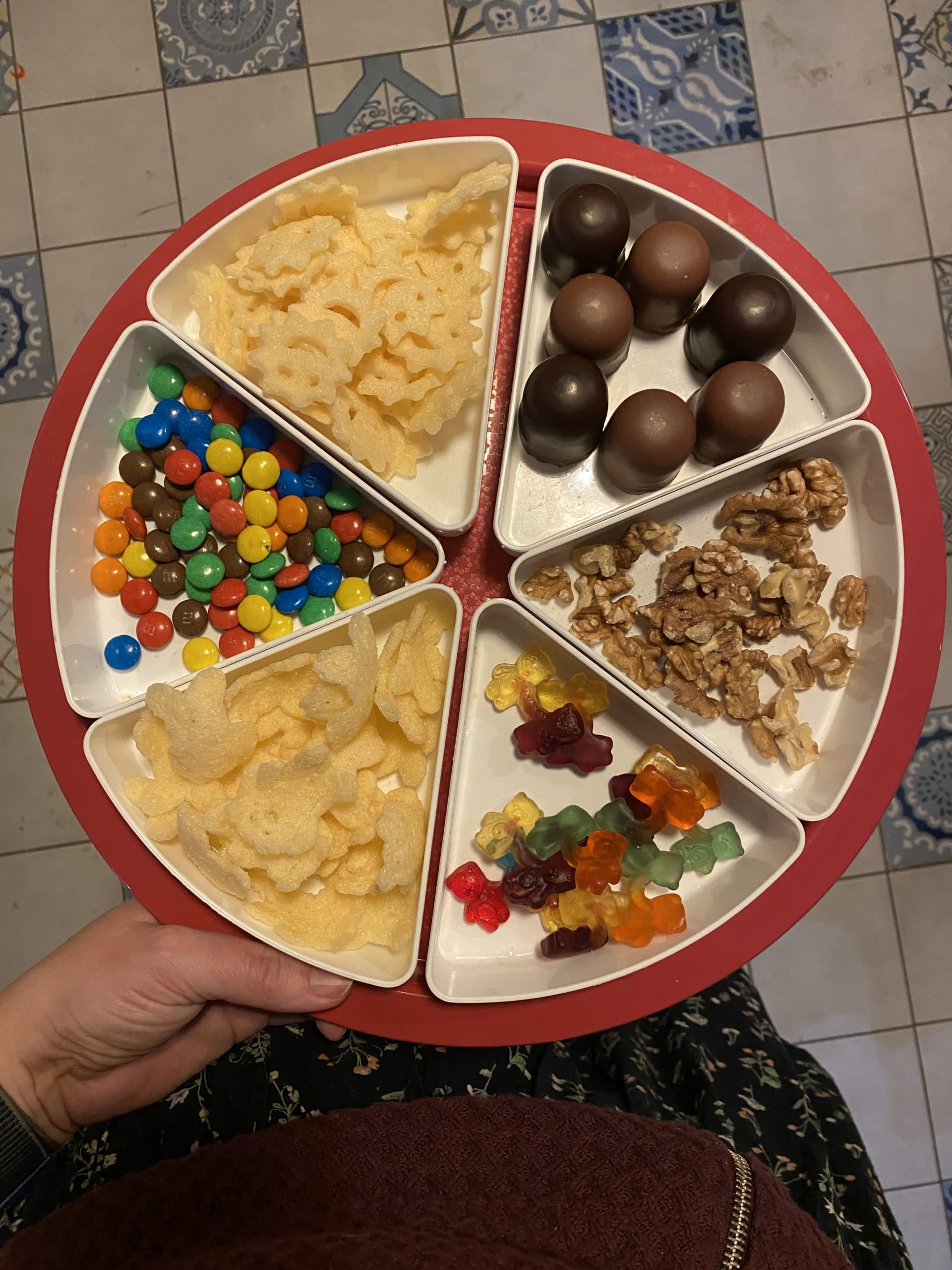 #11 Für die Kinder gibt es Snacks und Film/ Medienzeit.