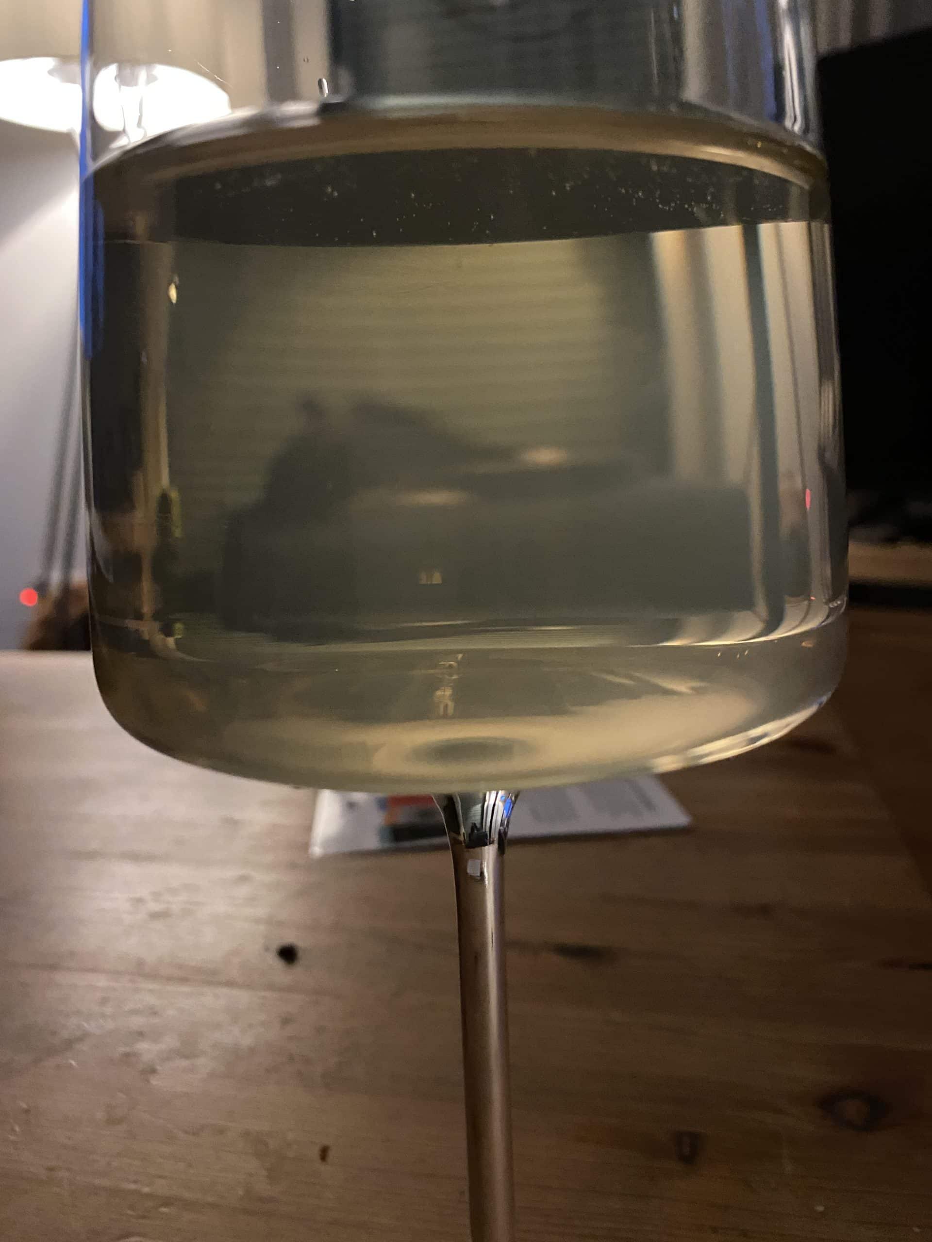 und am Abend dann ein Glas alkoholfreier Weißwein.