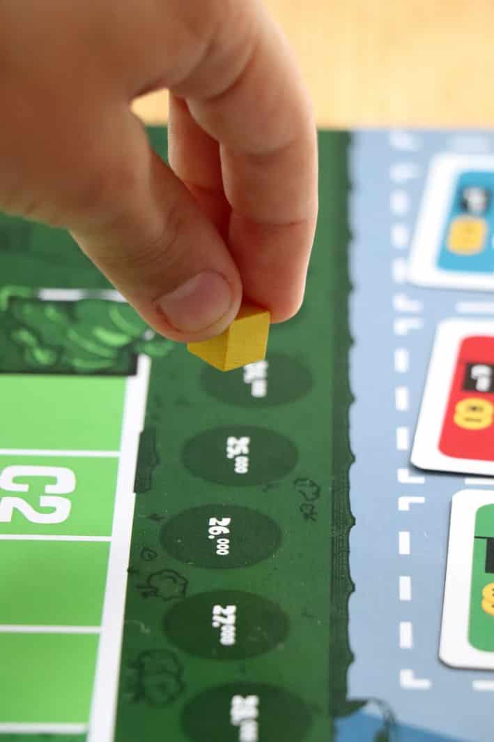 Neue Helden braucht das Land - ein Brettspiel für Kinder ab 8 Jahren