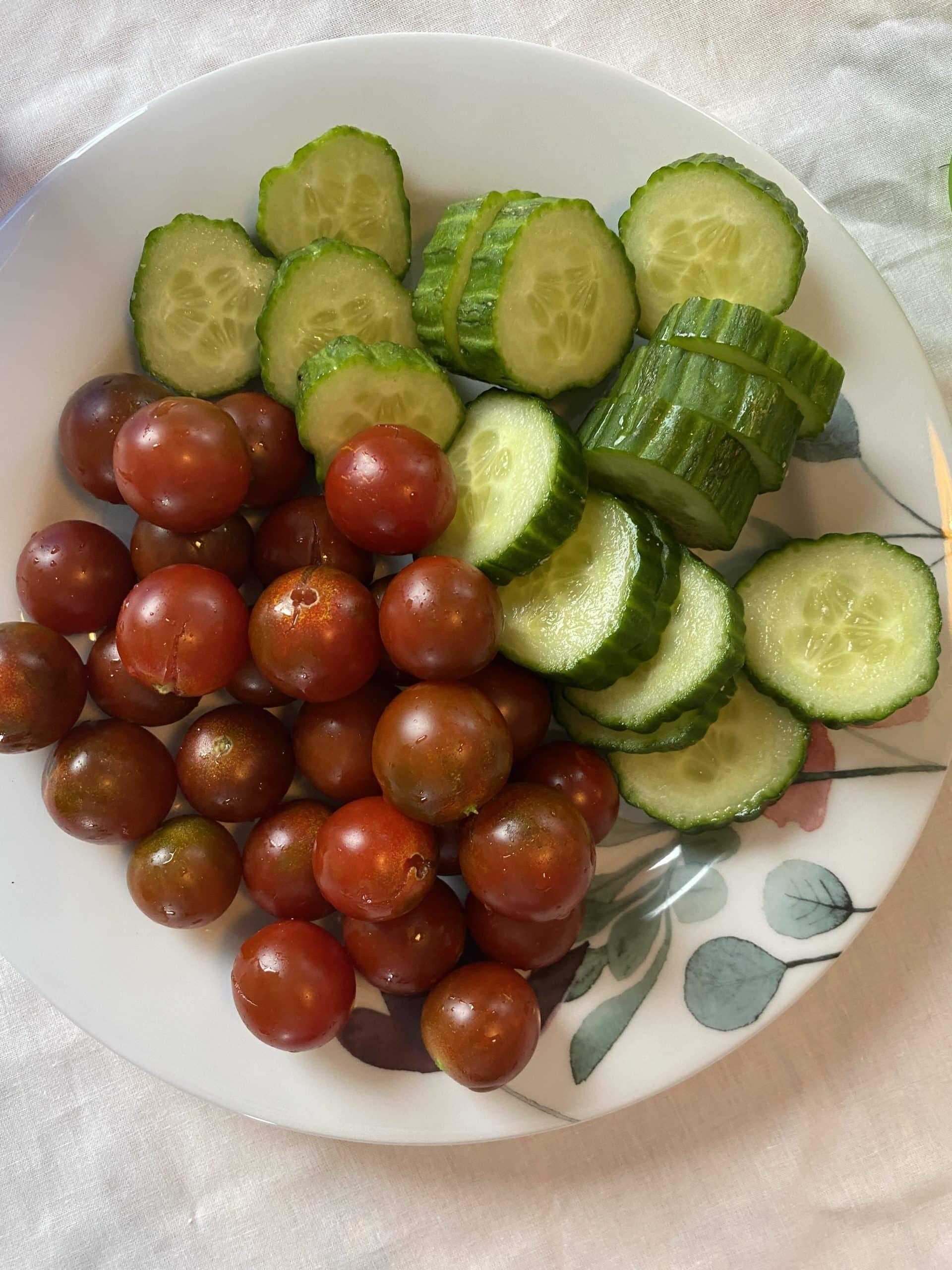 Zum Abendbrot dann Gemüse aus dem eigenen Garten.