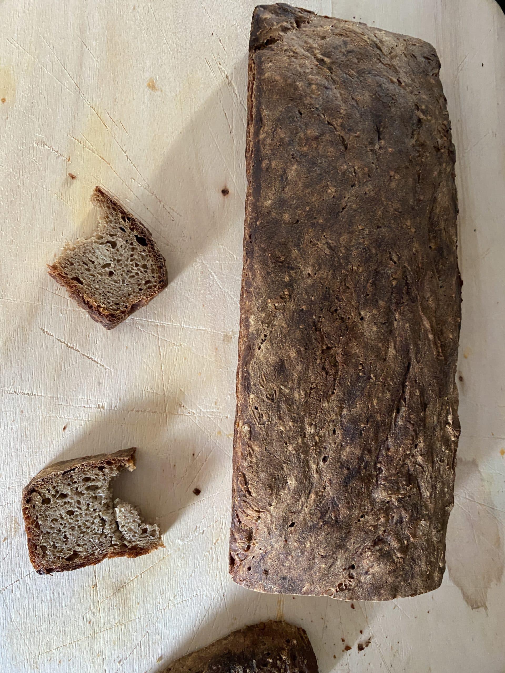 Es wird Brot gebacken.