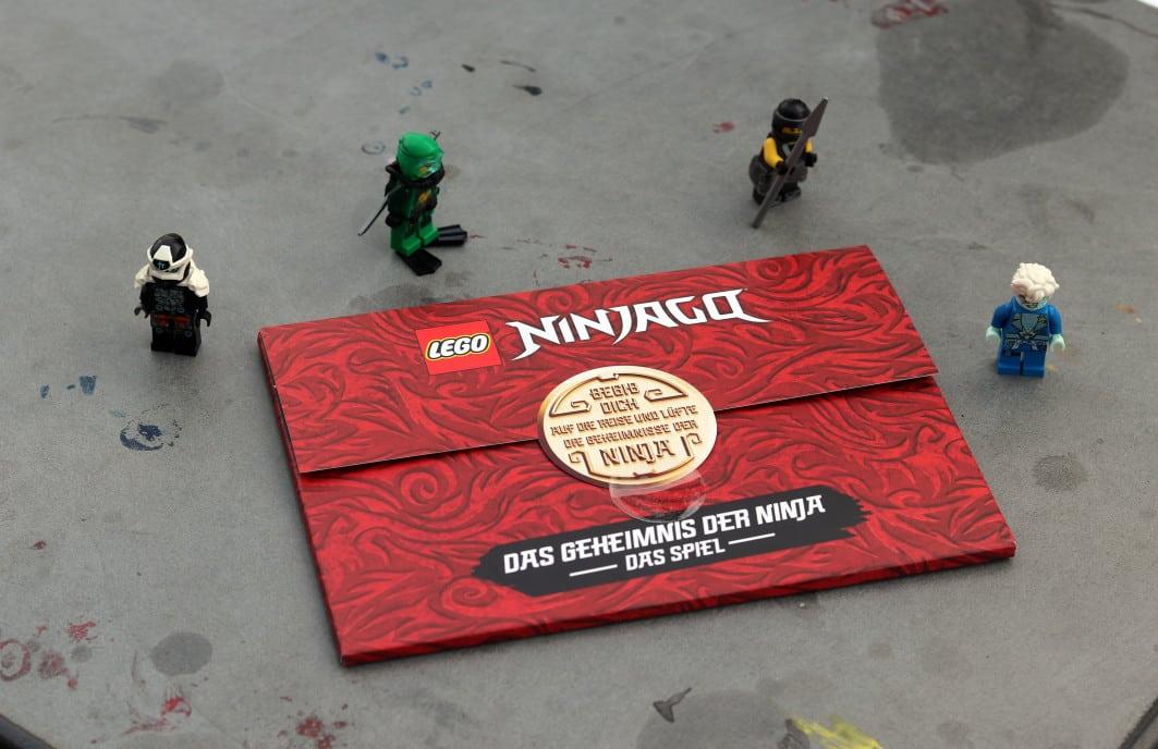 grossekoepfe_LEGO-Ninjago-Spiel_AnsUmschlag+Fig