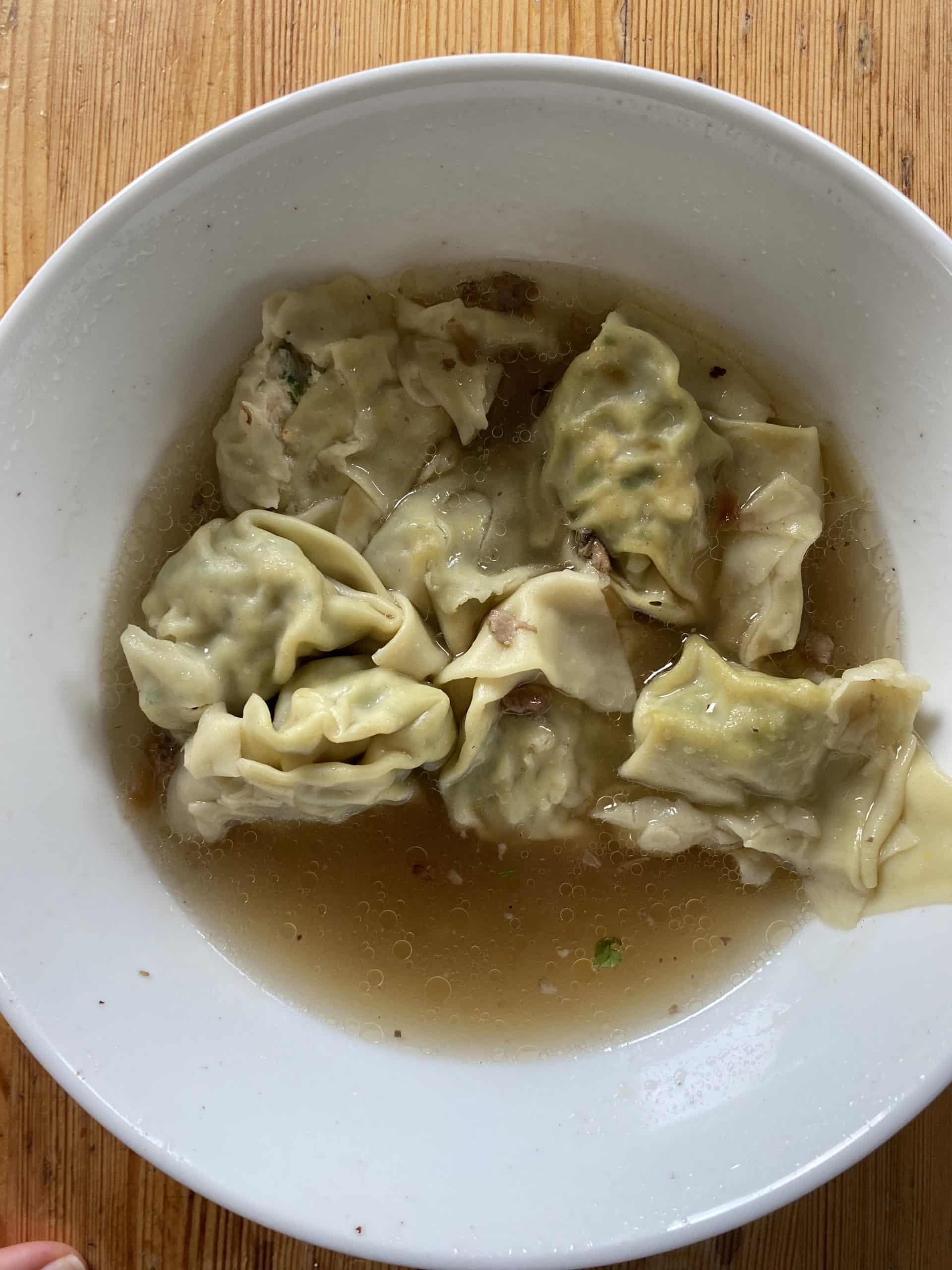 Zum Mittag gibt es Wan Tan Suppe!